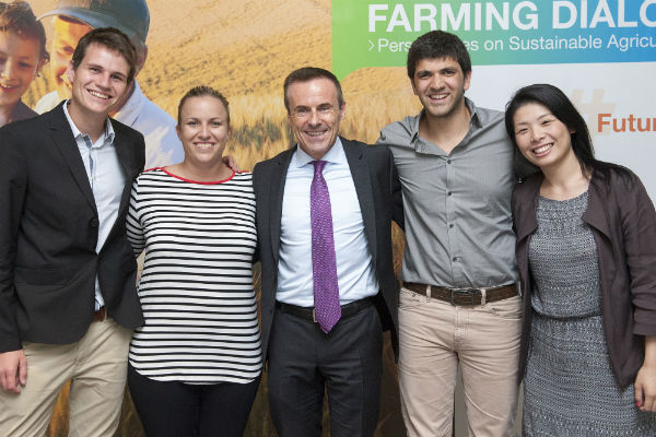 Liam Condon and delegates from the Youth Ag-Summit 2015